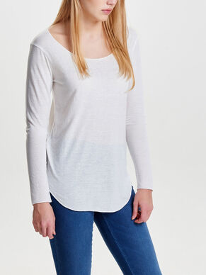 DETAILED LONG SLEEVED TOP