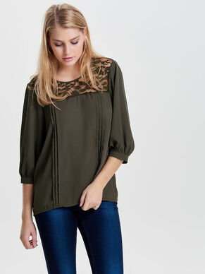 LACE DETAILED 3/4 SLEEVED TOP