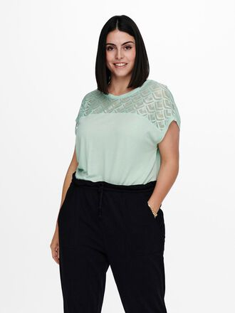 CURVY LOOSE SHORT SLEEVED TOP
