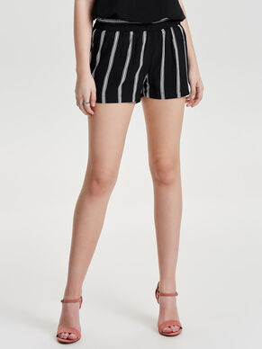 LOOSE FIT SHORTS