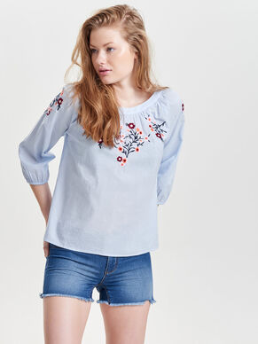 EMBROIDERY 3/4 SLEEVED TOP