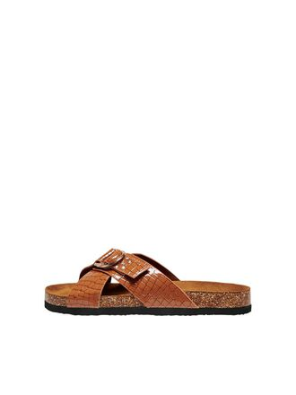 CROSSOVER SANDALS
