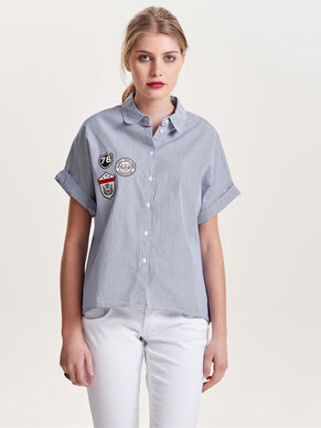 BADGE SHORT SLEEVED SHIRT